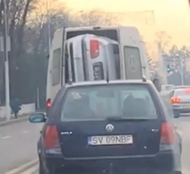 BMW в фургоне